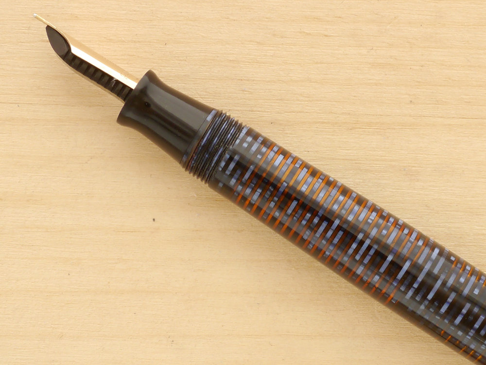 Parker Vacumatic Major Fountain Pen, Azure Pearl, XF, nib profile showing excellent tipping geometry and alignment.