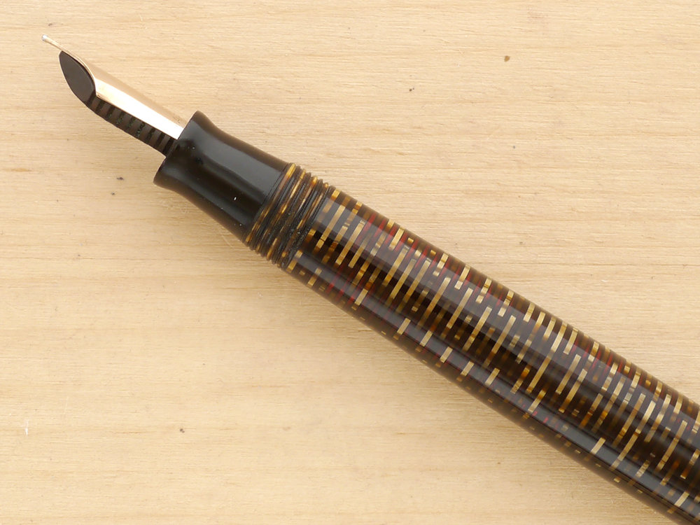"Parker Vacumatic Major ""Long"" Fountain Pen, Golden Pearl, F, Semi-Flex, nib profile"