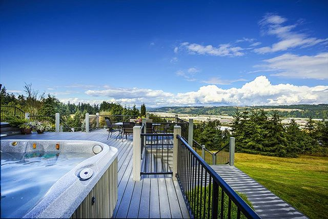 Architectural photography by Corey Schatz.  #architecturalphotography #relax #architecturalphotographer #realestate #realestateagent #realestatemarketing #hometour #olympia #lakewood #tacoma #seattle #washington #hdrphotography #canonusa #evergreenstate #outdoorpatio #jacuzzi #hottub