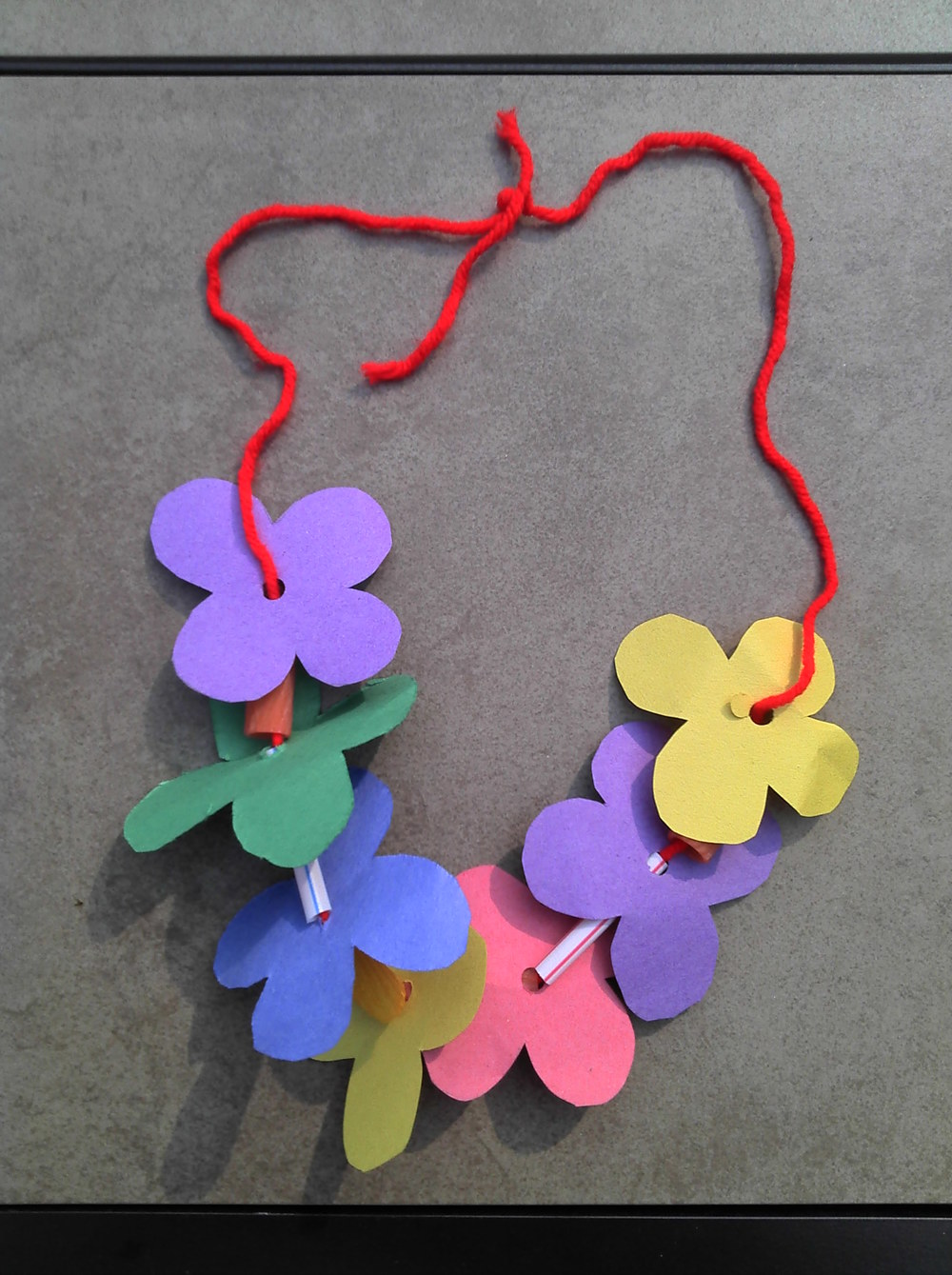 Easy crafts to make - Easy Kid S Craft How To Make A Lei