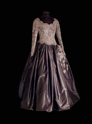 dress_2000.jpg