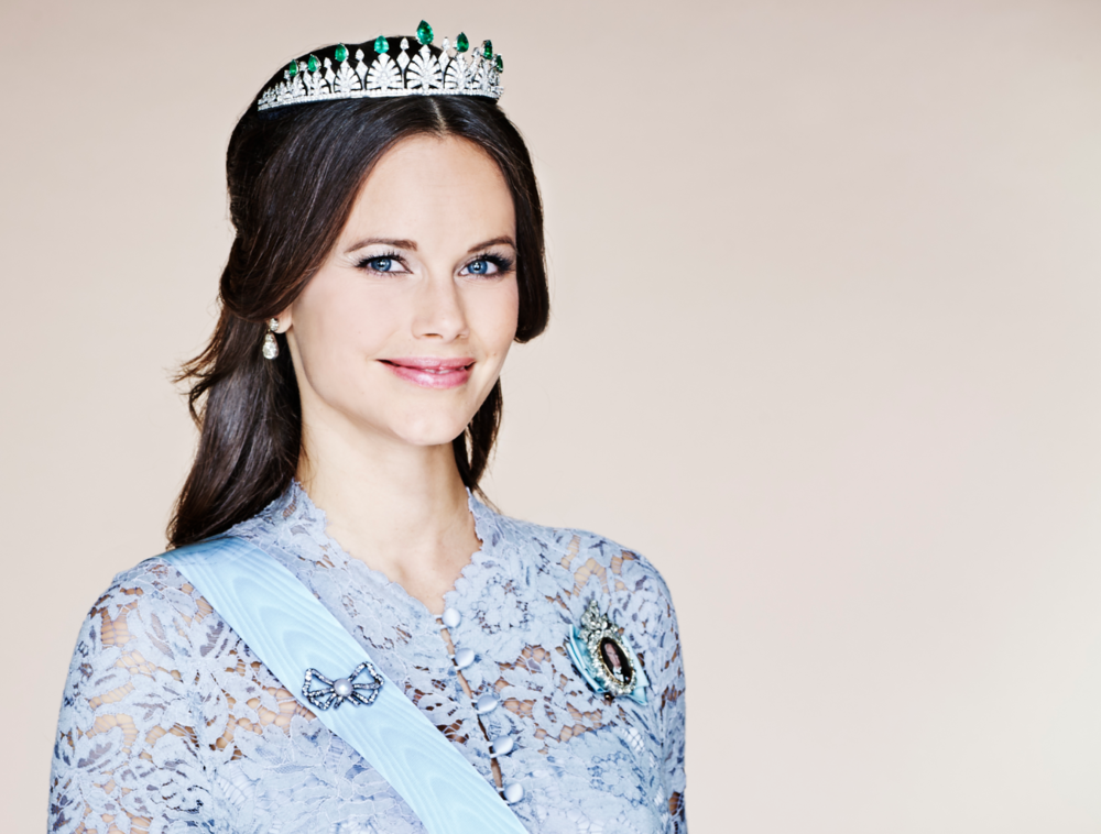 Princess Sofia - Number of Pieces Debuted: 118Number of Pieces Identified: 84Number Remaining Unidentified: 34Percentage Identified from Scandinavian Designers: 68%