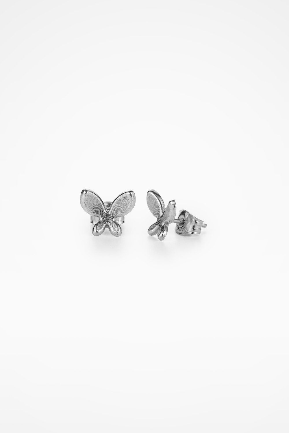 Amiral Stud Earrings Silver.jpeg