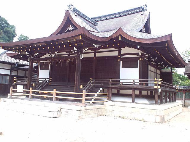 640px-Iwashimizu_Hachimangu_-_Tonguden.jpg