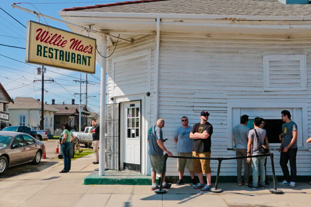 Lining up at Willie Mae's Scotch House