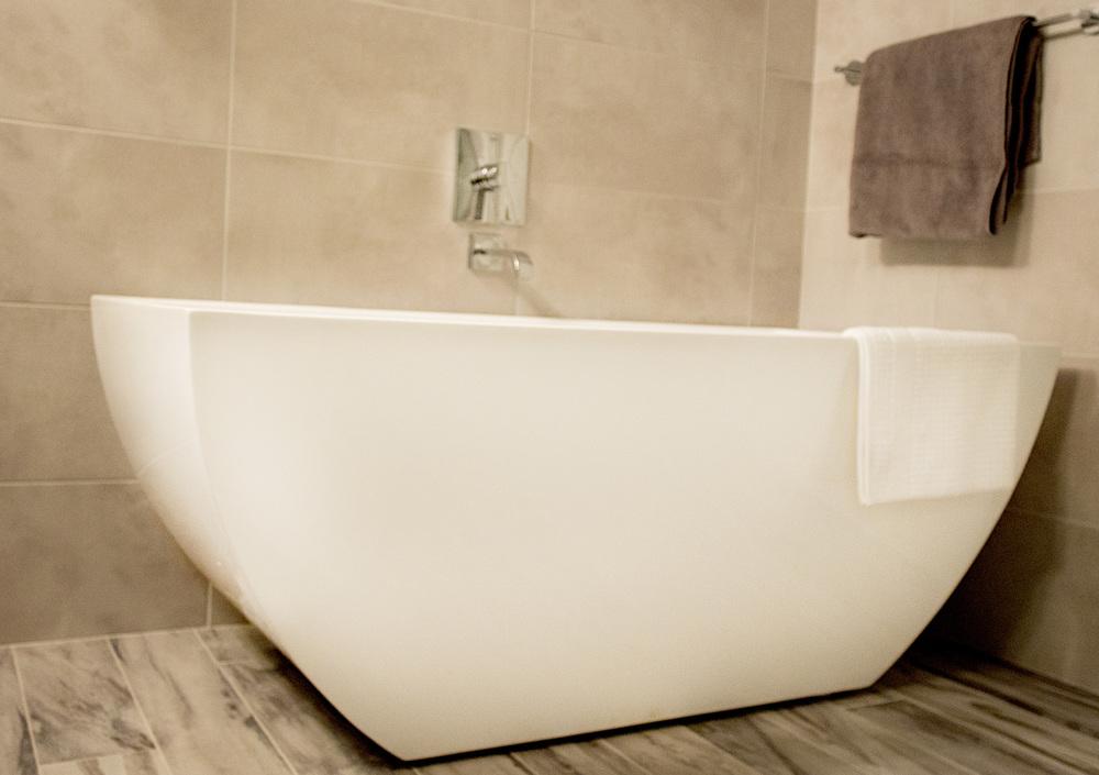 Bathtub - Tong Residence - Tatiana Interior Design