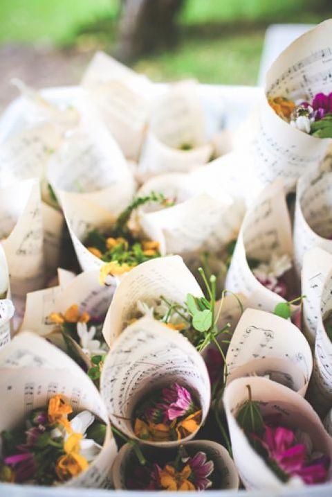 flower toss louisiana wedding