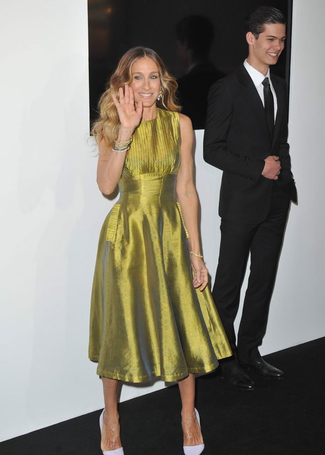 SARAH JESSICA PARKER in Vintage Dress from ALEXANDRA NEW YORK - Red Carpet, Beijing, 2013