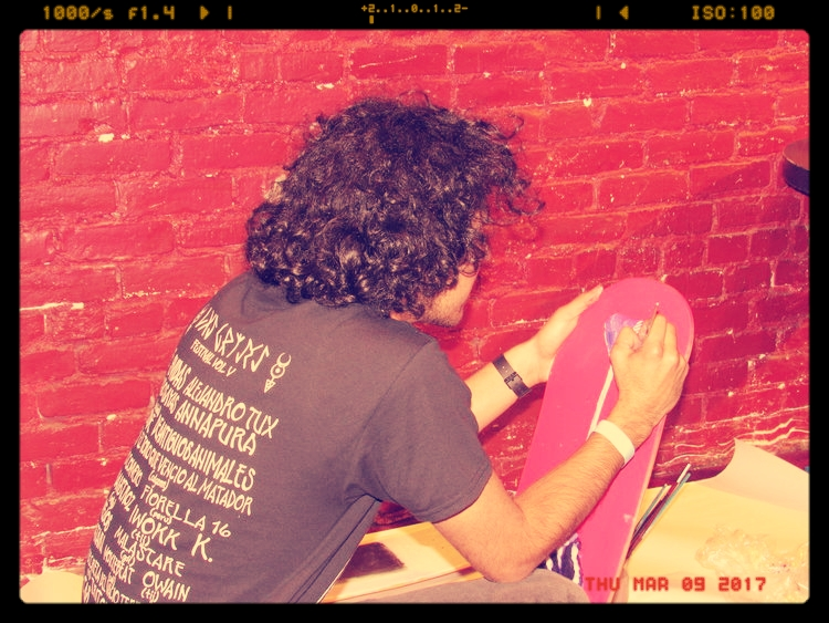 Miguel Flores performing live art during L.A.M.S. at Mission Tobacco Lounge