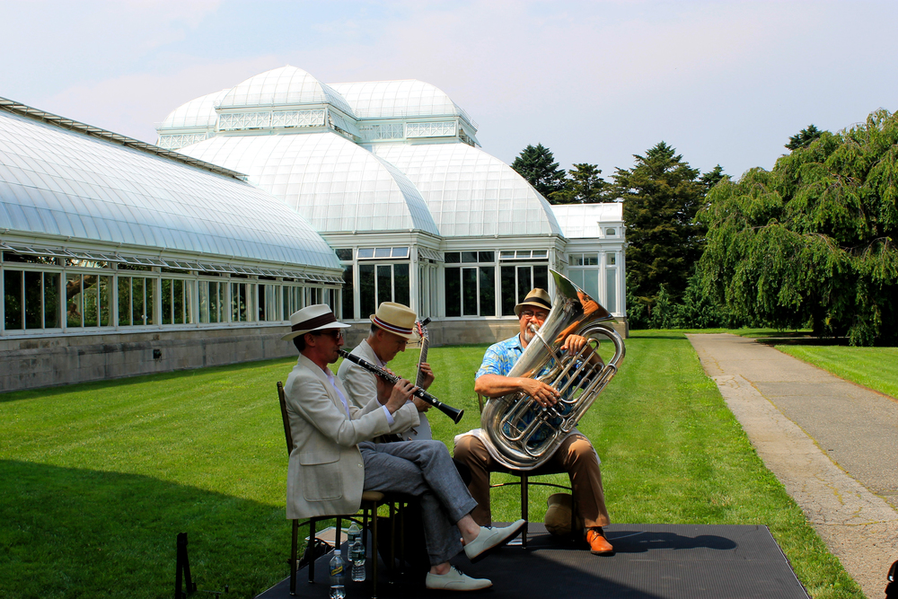 Jazz band outside the conservatory