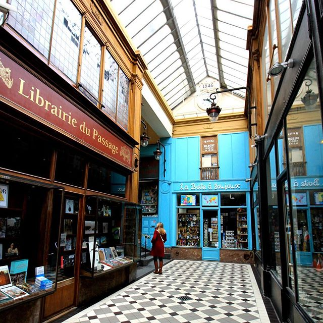 Wandering through time and covered malls . . . #promenade  #paris #latergram #travel #travelgram #travelblogger #ramblingaboutrambling