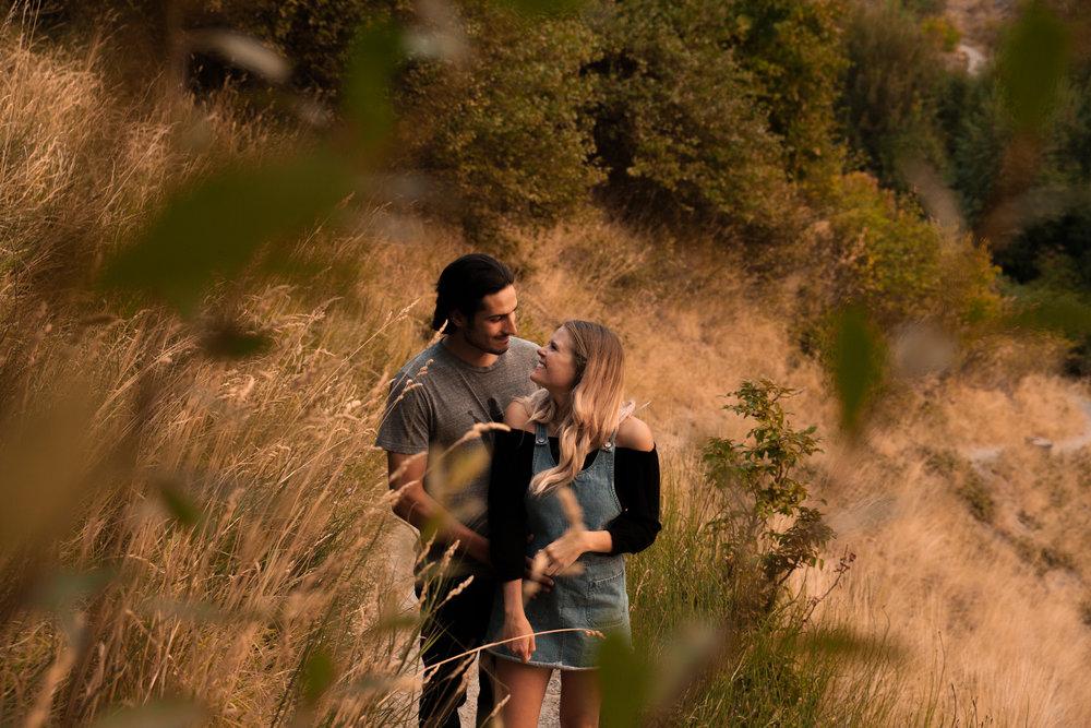 smoky kelowna couple in love traveling photo.jpg