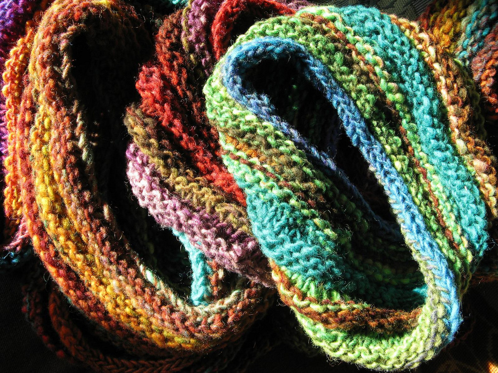 Knitted Möbius bands