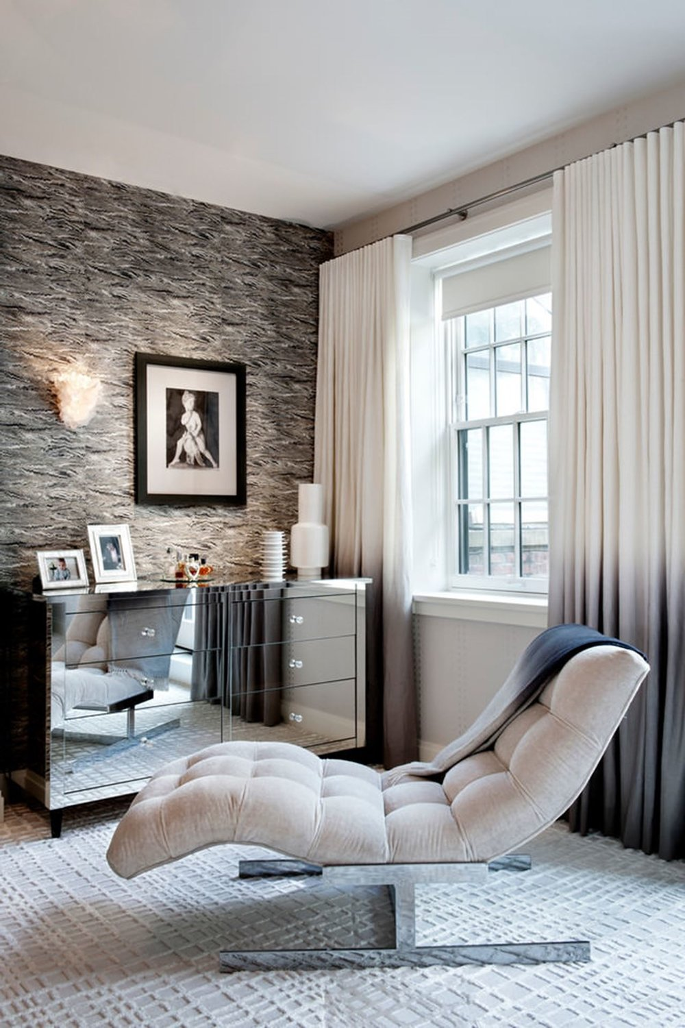 New-York-townhouse-in-a-mixed-style-comfortable-chair.jpg
