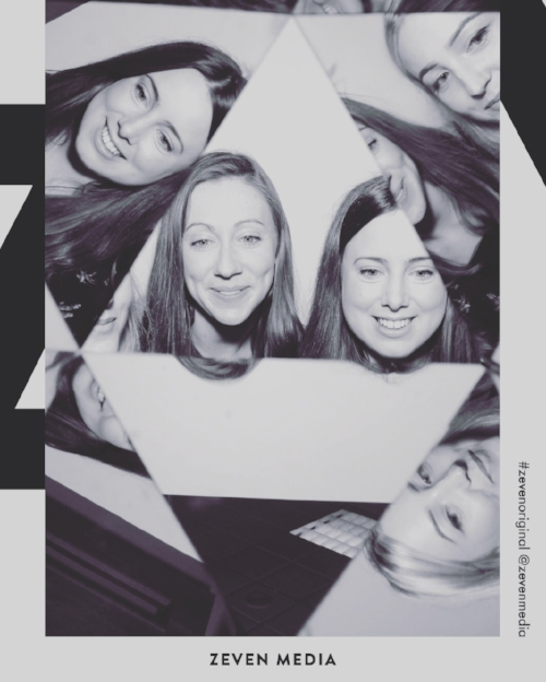 Testing out the Zeven Photo Booth with fellow #GirldoneGood Eve!