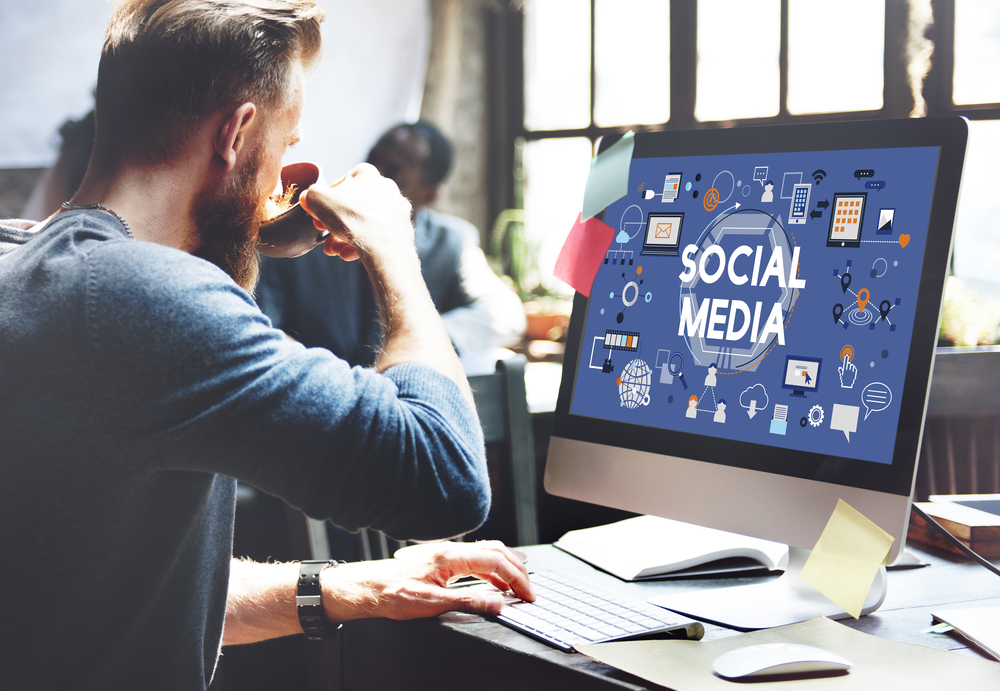 A Cheat Sheet for Choosing your Social Media Channels! by Marielle Reussink, The EMMS, Marketing for Start-ups