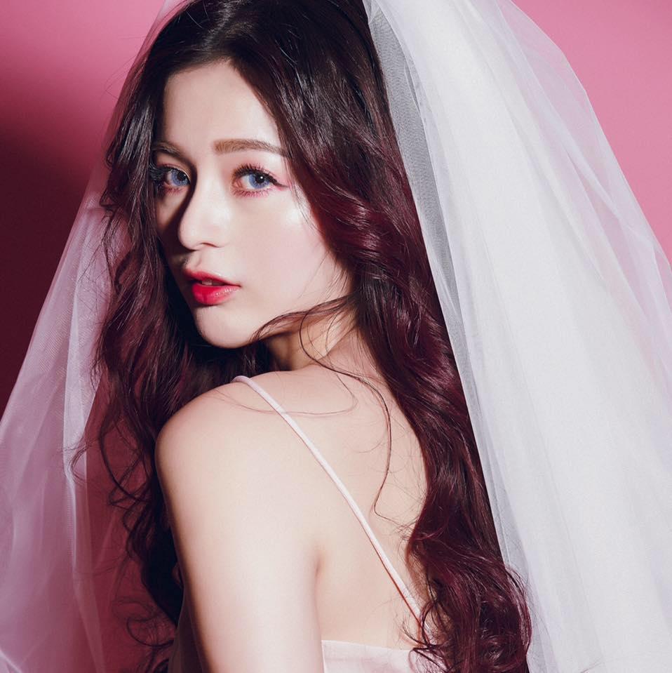 Lady.M化妝時間•Mia Makeup Studio/新娘秘書/整體造型    熱愛沈迷於時尚造型的新娘整體造型師 喜歡清透 時尚的妝容。