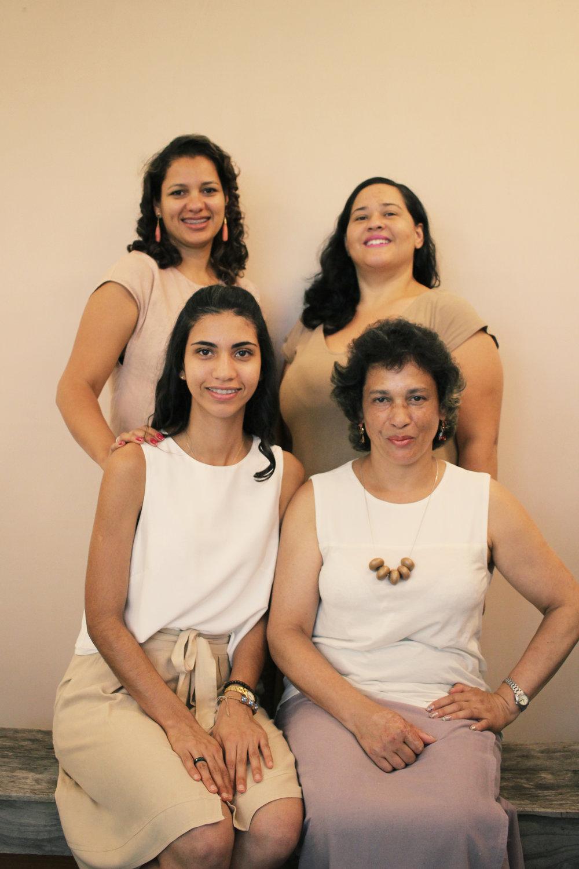 Andreia, Fátima, Andreza e Neide - Cuidam da produção para que nossas peças se tornem reais