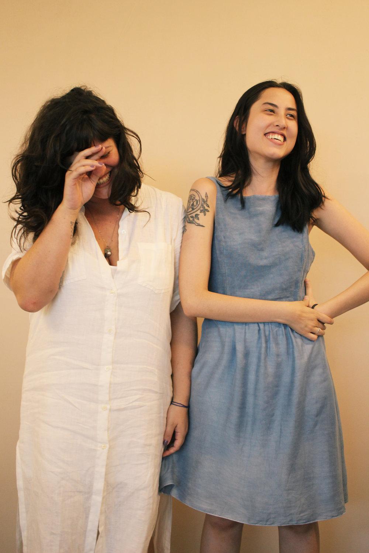 Marcela e Nicole - Aqui é aonde as histórias são costuradas, pessoas alinhavadas, e através da imagem, som e palavras, construímos nossas narrativas.