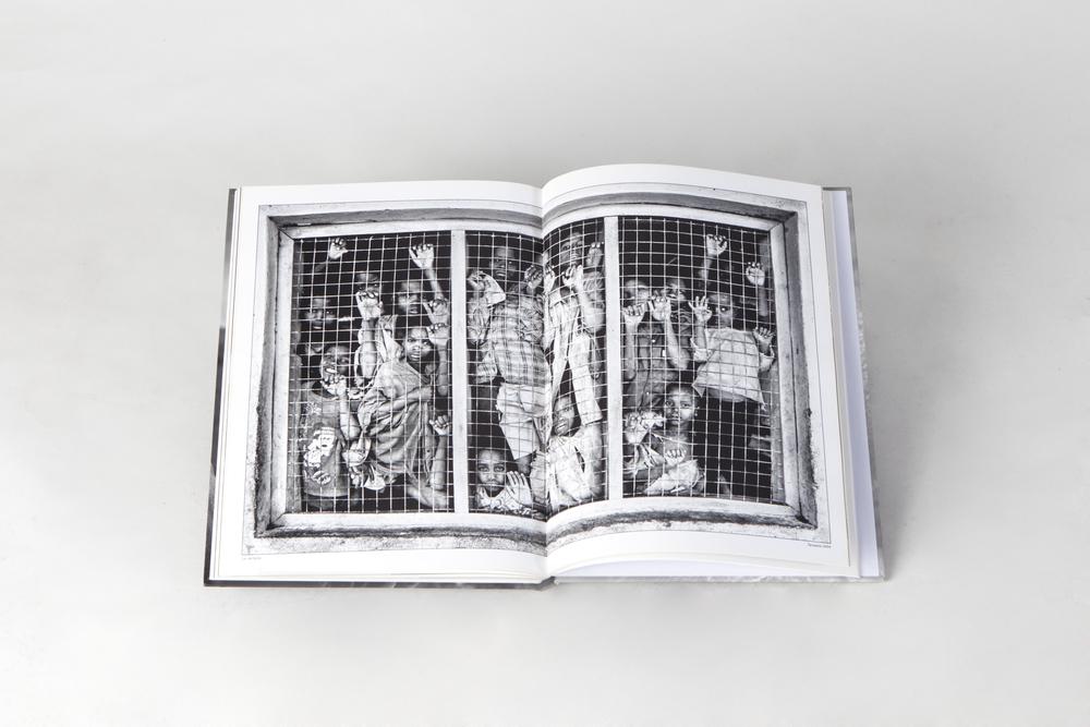 La ventana en el libro Rostros