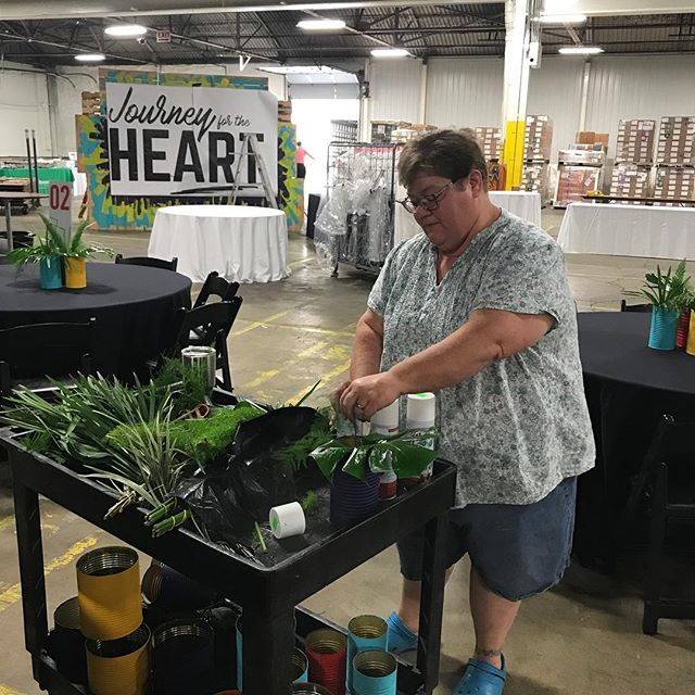 Thank you to our friends at @flowerloftoflima for helping make #journeyfortheheart a little greener! #communityofcare