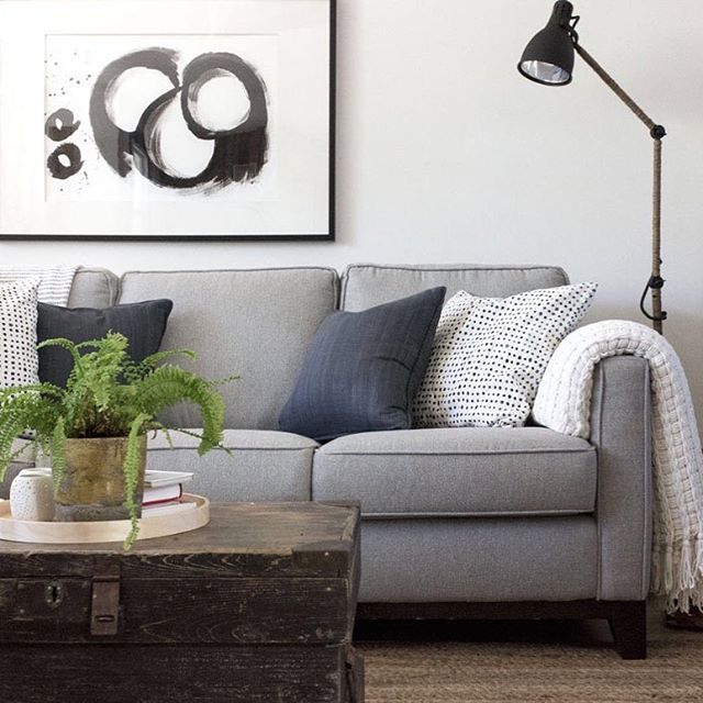 My couch is calling me for an early evening of tv and being lazy. #mondayblues #mycottageinstincts #simplehome #ilovethislittlecorner #livingroomdecor #sofashion