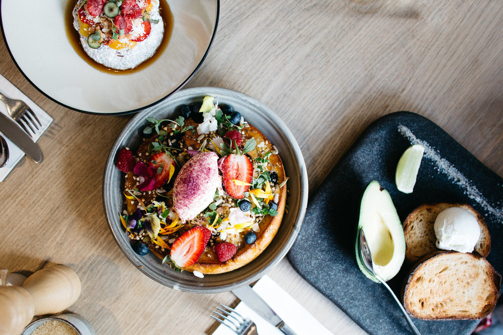 Top down view of breakfast food at The Kettle Black, a gourmet cafe in melbourne