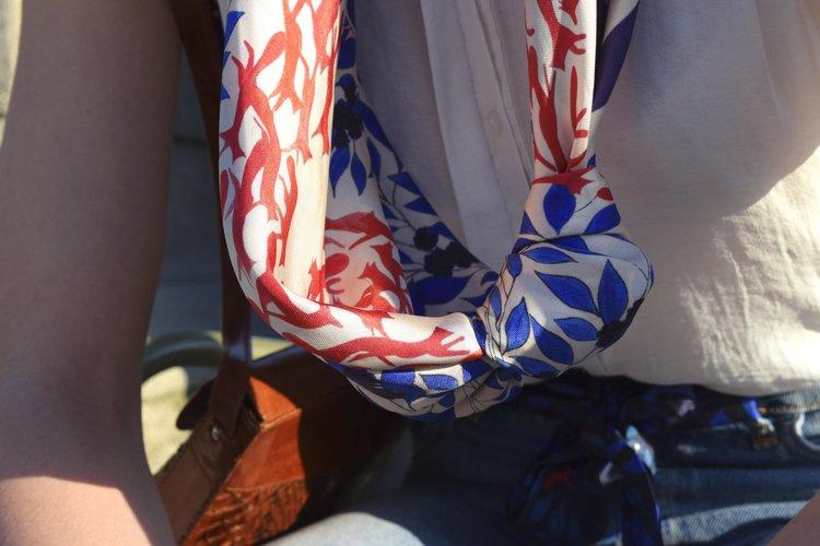 Carré scarf Pas de Deux