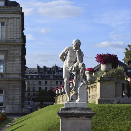 petitjean+paris+portraits+de+parisiennes+accessoires+soie+lavallines+carrés+foulards+julie (11).jpeg