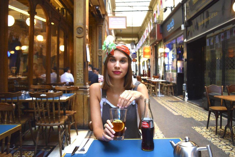 petitjean+paris+portraits+de+parisiennes+accessoires+soie+lavallines+carrés+foulards+marie-4.jpg