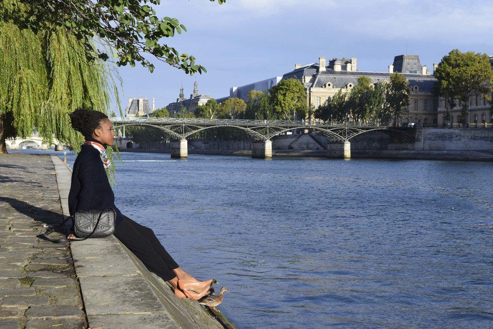 petitjean paris portraits de parisiennes accessoires soie lavallines carrés foulards
