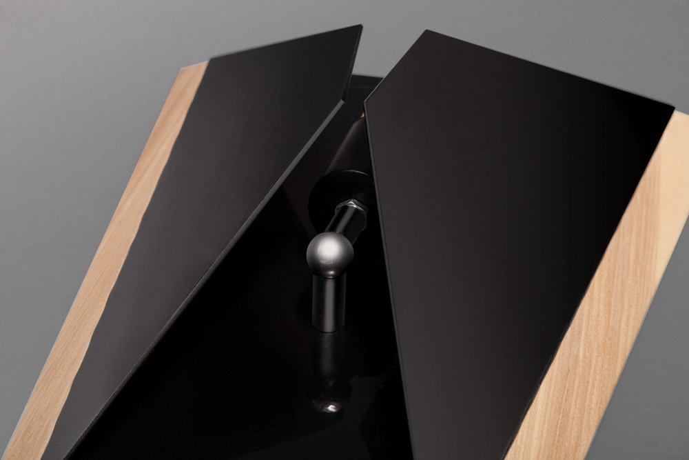 skeld-design-wall-knight-06.jpg