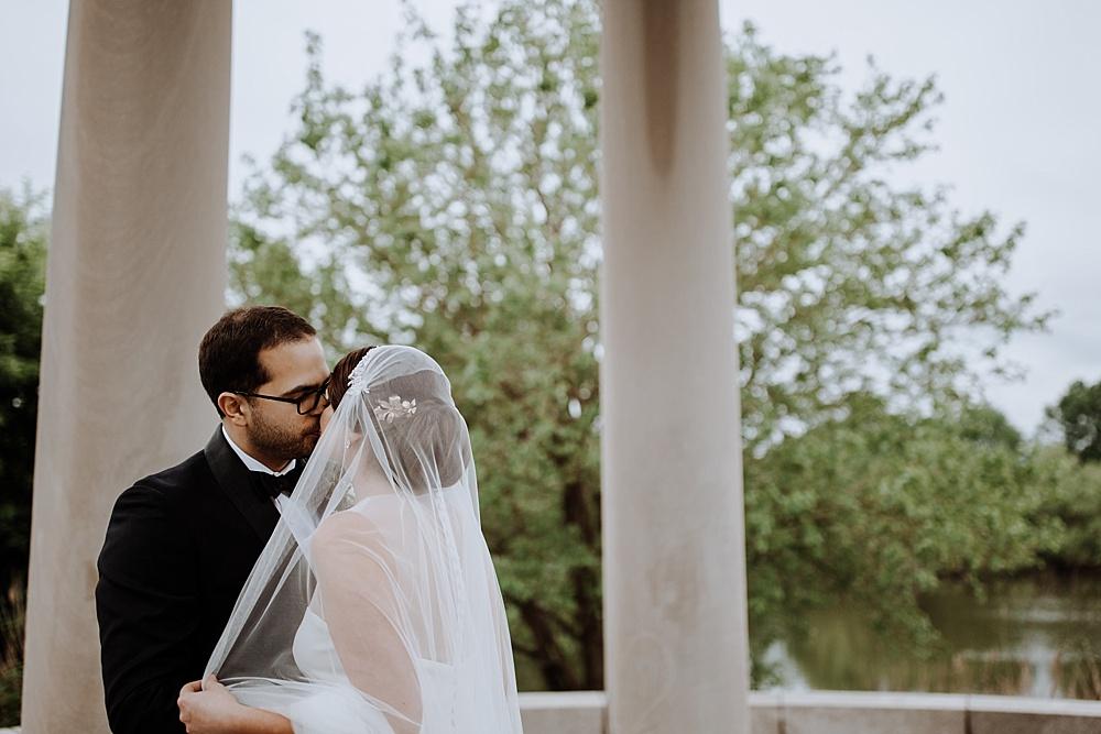 17-bride-and-groom-kiss.jpg