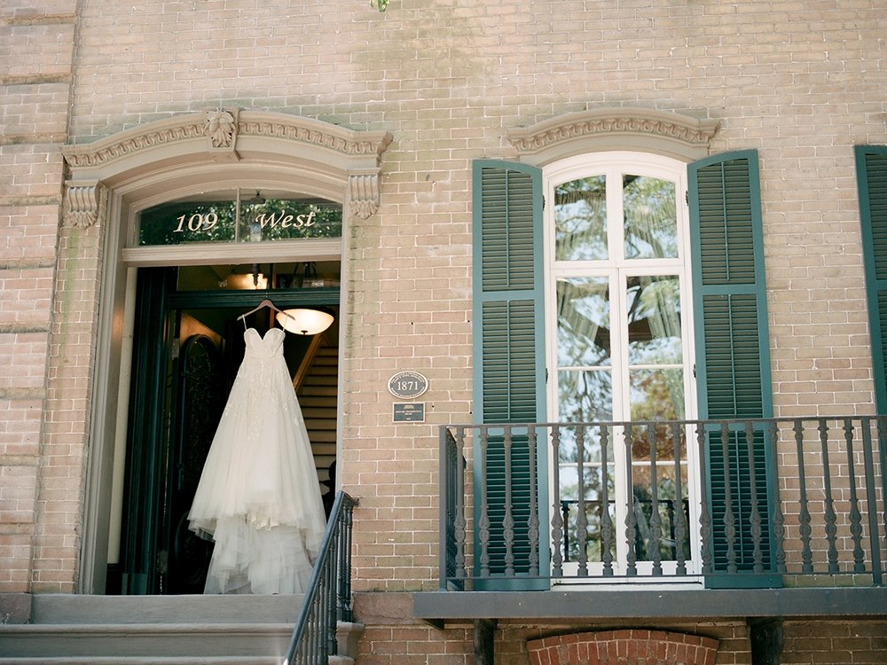 garibaldi_cafe_wedding_savannah_wedding_photographer_shannon_griffin_0016.jpg