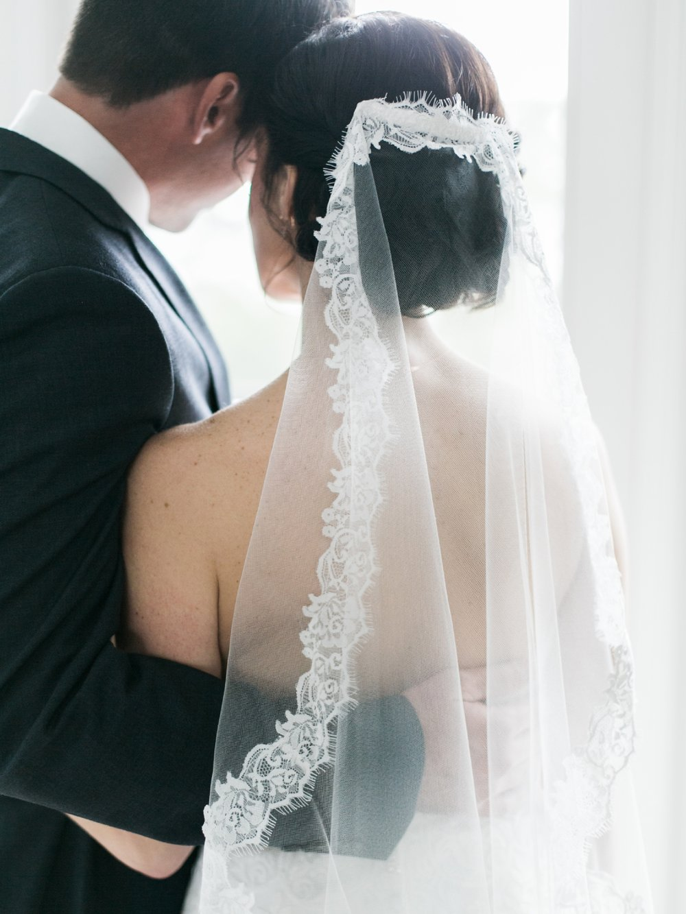 Wedding Veil With Lace Trim | West Palm Beach Wedding Photographer  Shannon Griffin_0040.jpg