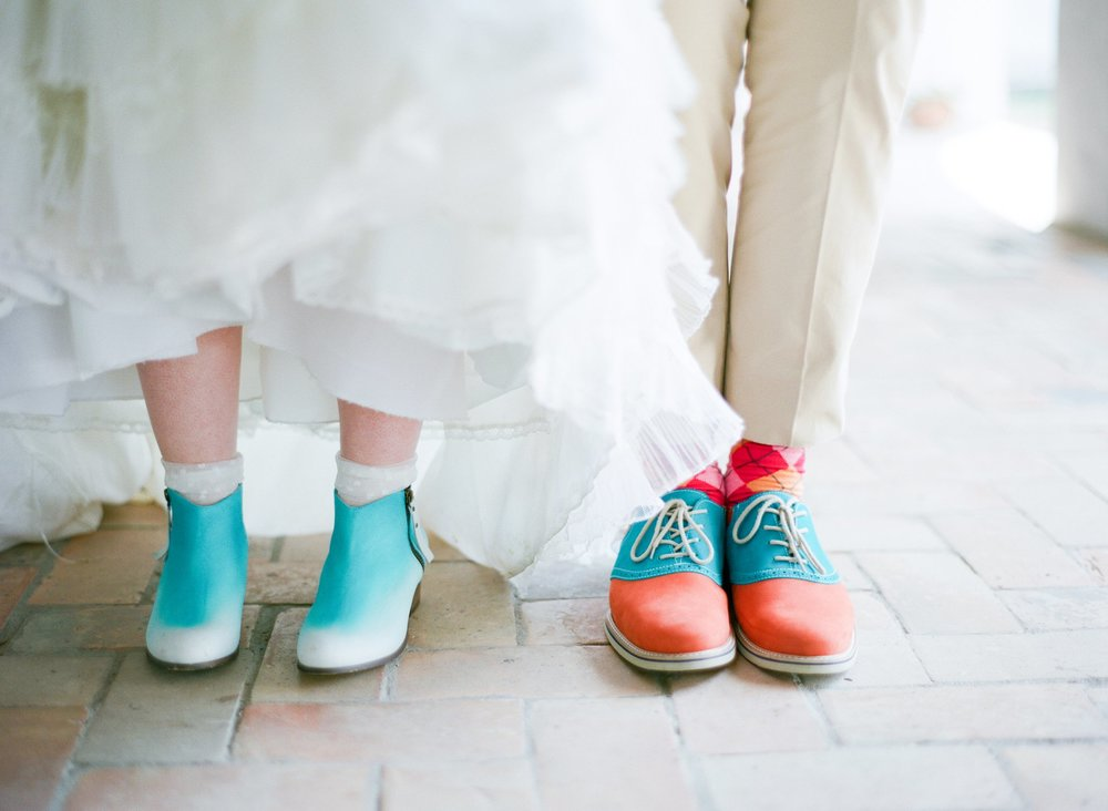 eclectic texan wedding the connoisseur of cute wedding texas wedding photographer shannon griffin photography_0009.jpg