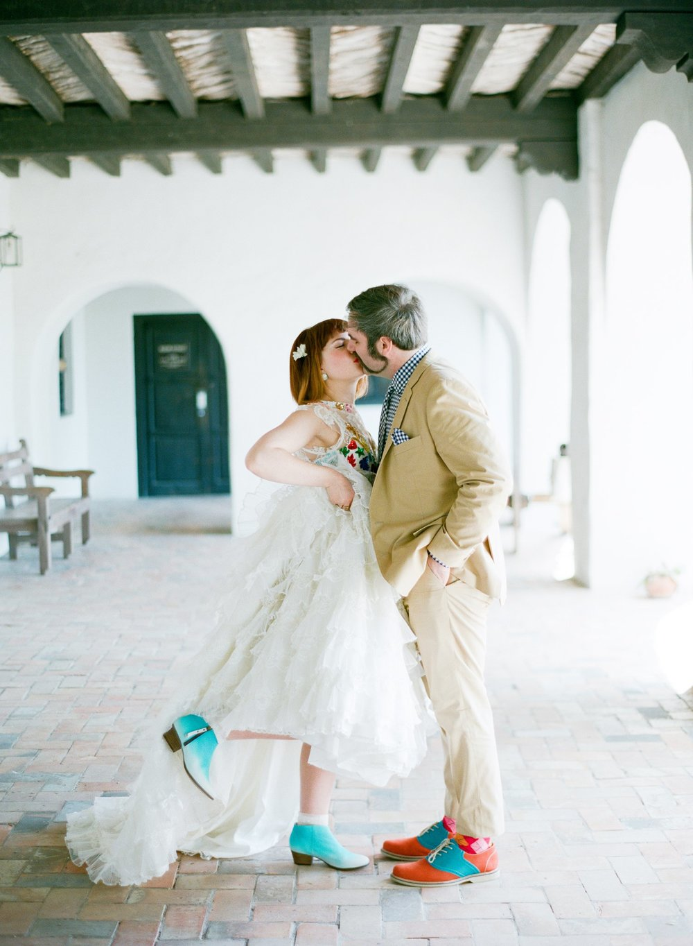 eclectic texan wedding the connoisseur of cute wedding texas wedding photographer shannon griffin photography_0039.jpg