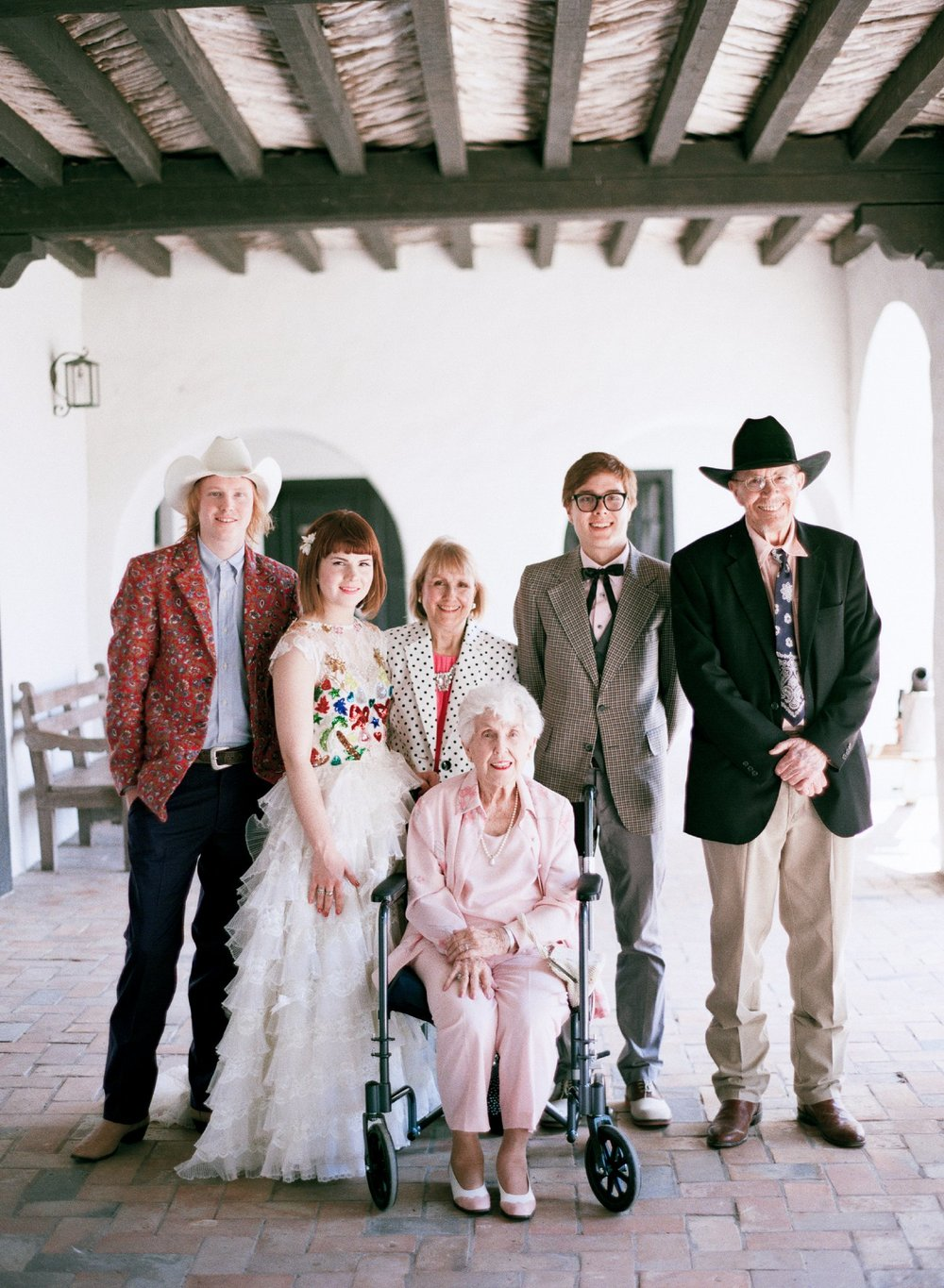 eclectic texan wedding the connoisseur of cute wedding texas wedding photographer shannon griffin photography_0040.jpg