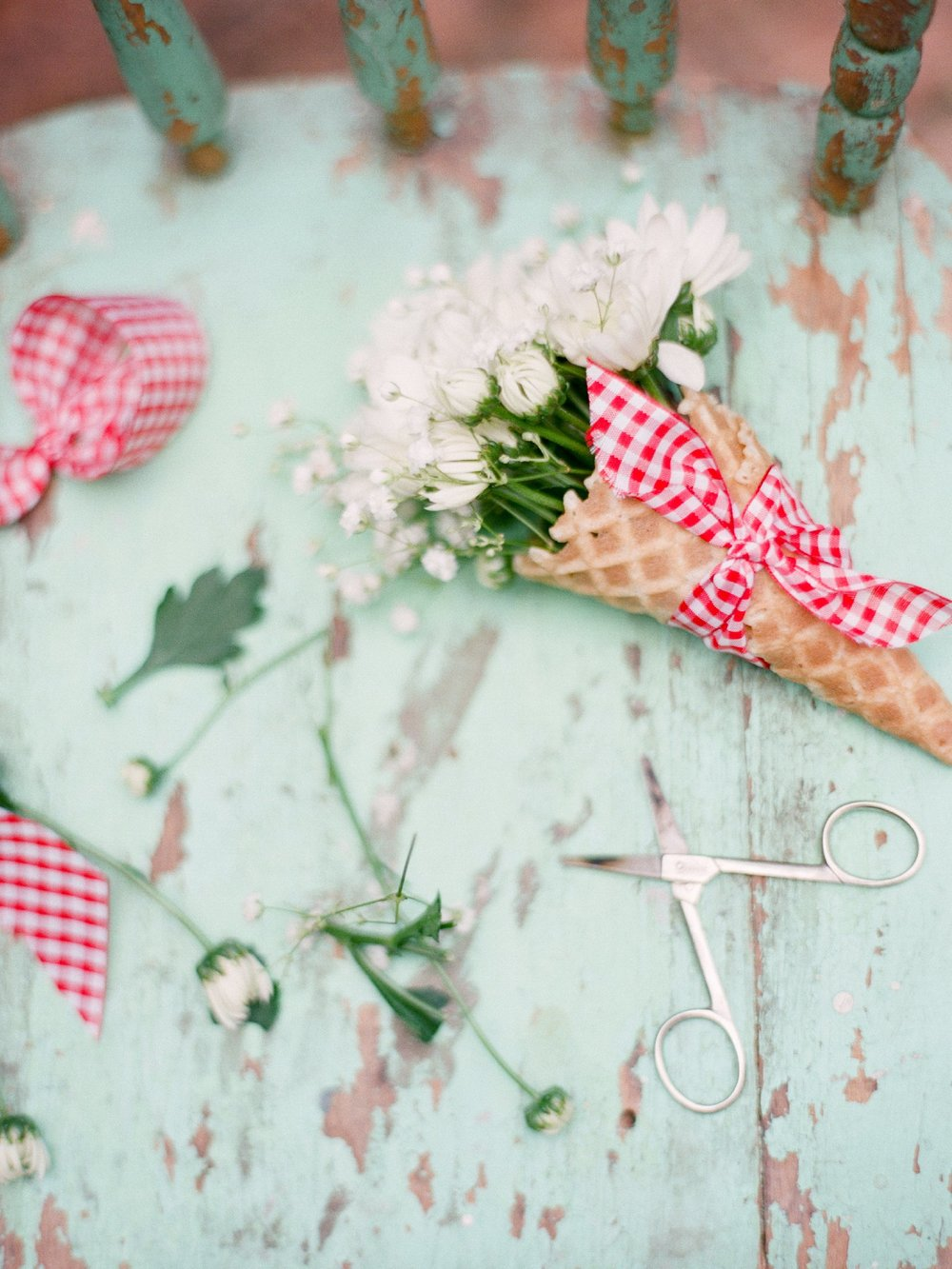 eclectic texan wedding the connoisseur of cute wedding texas wedding photographer shannon griffin photography_0052.jpg