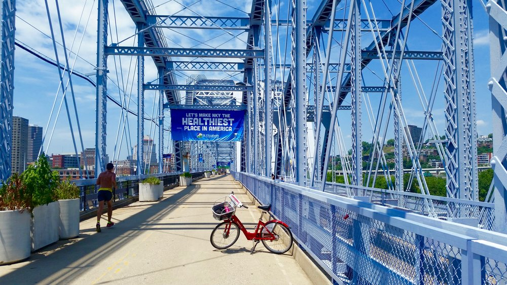 "The ""Purple People Bridge"" connecting Cincinnati to Covington, Kentucky"