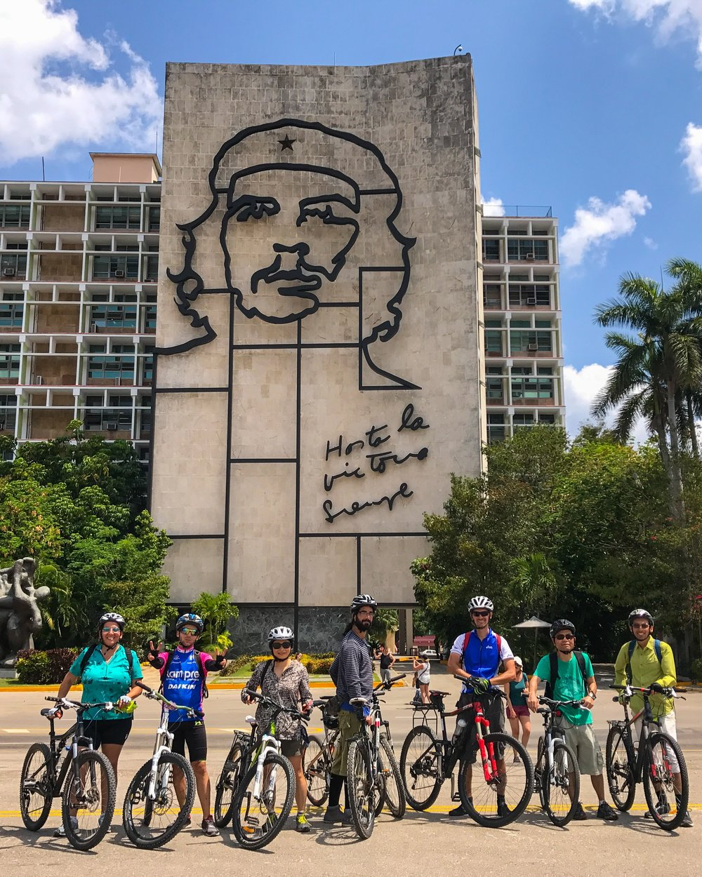 Havana bike tour visits Che Guevara at Revolution Plaza