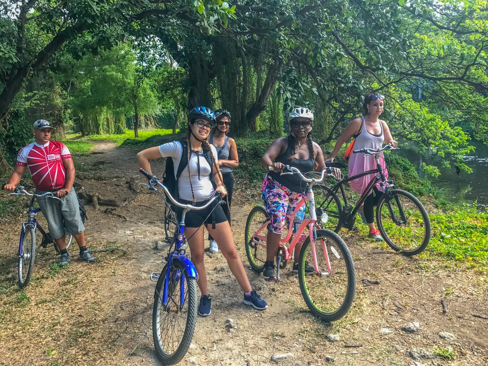 Bike tour through Havana's forest!