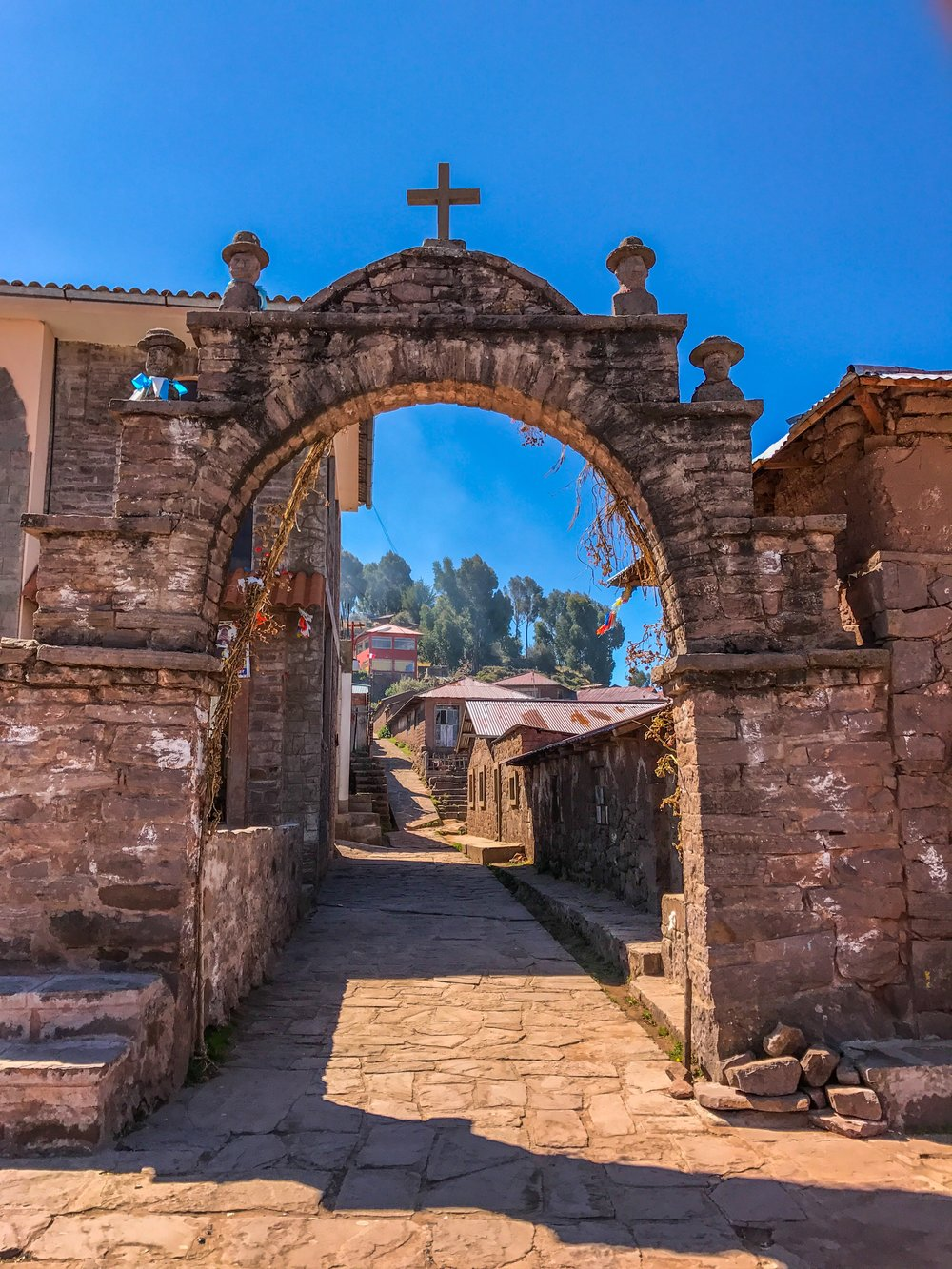 The entrance to Taquile's town square