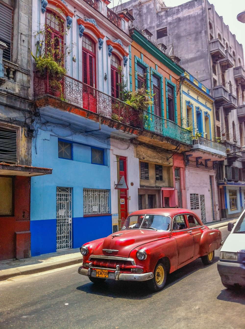 Rolling through Old Havana