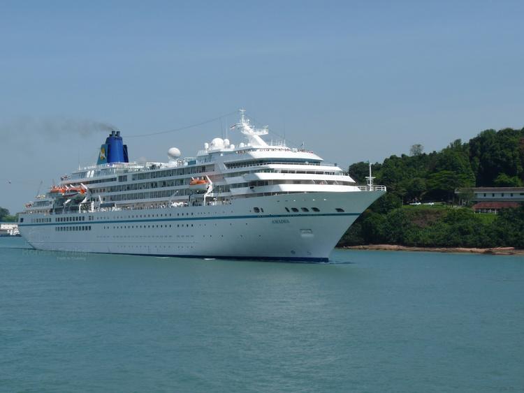 Amadea Phoenix Reisen Honest Cruiser - Cruise ship amadea