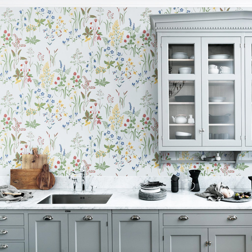 FLORA WHITE Wallpaper by Sandberg