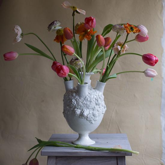Round Footed Flower Tulipiere