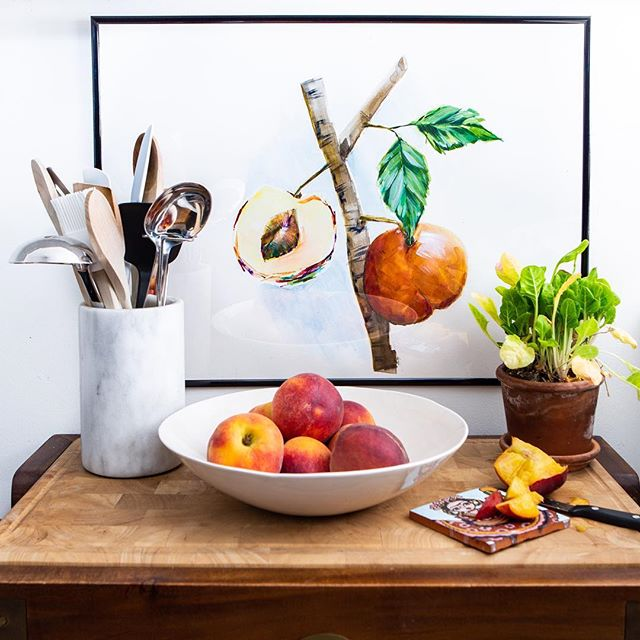 We've got 🍑🍑🍑 on the mind.  Seen here: Hanging Peaches by Becky Aubry Styled by @michelle_adams_ and @emily.a.schoen Photo by @martaxperez