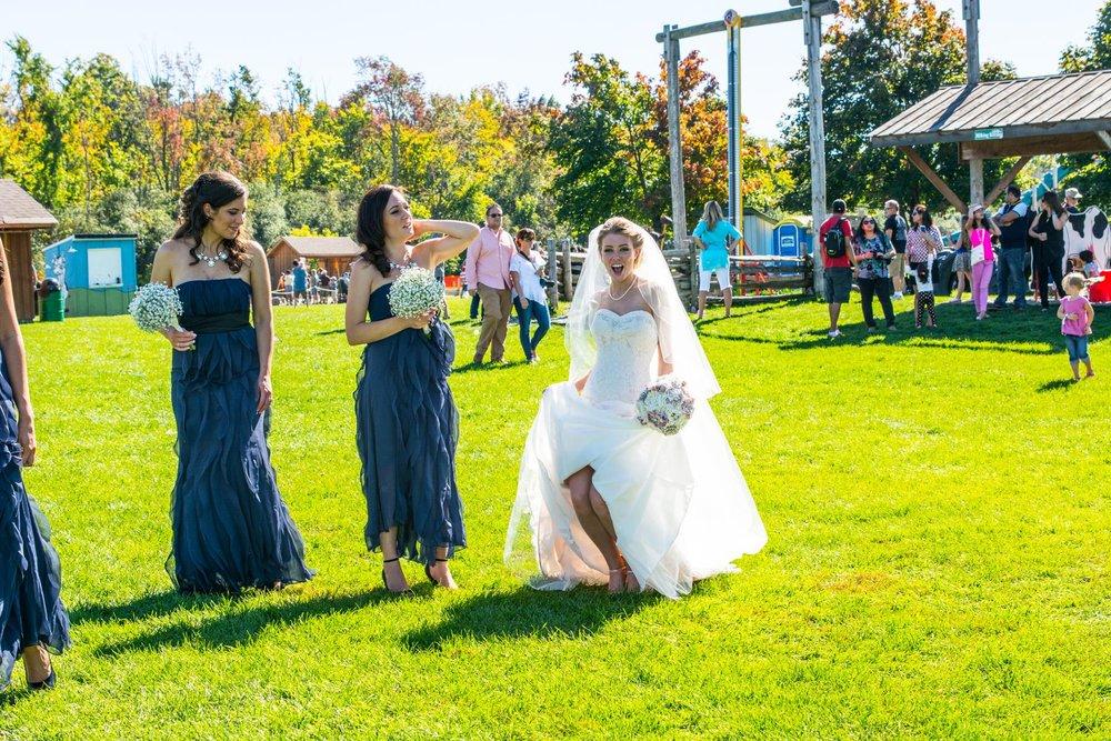 Downey Farm bride photo