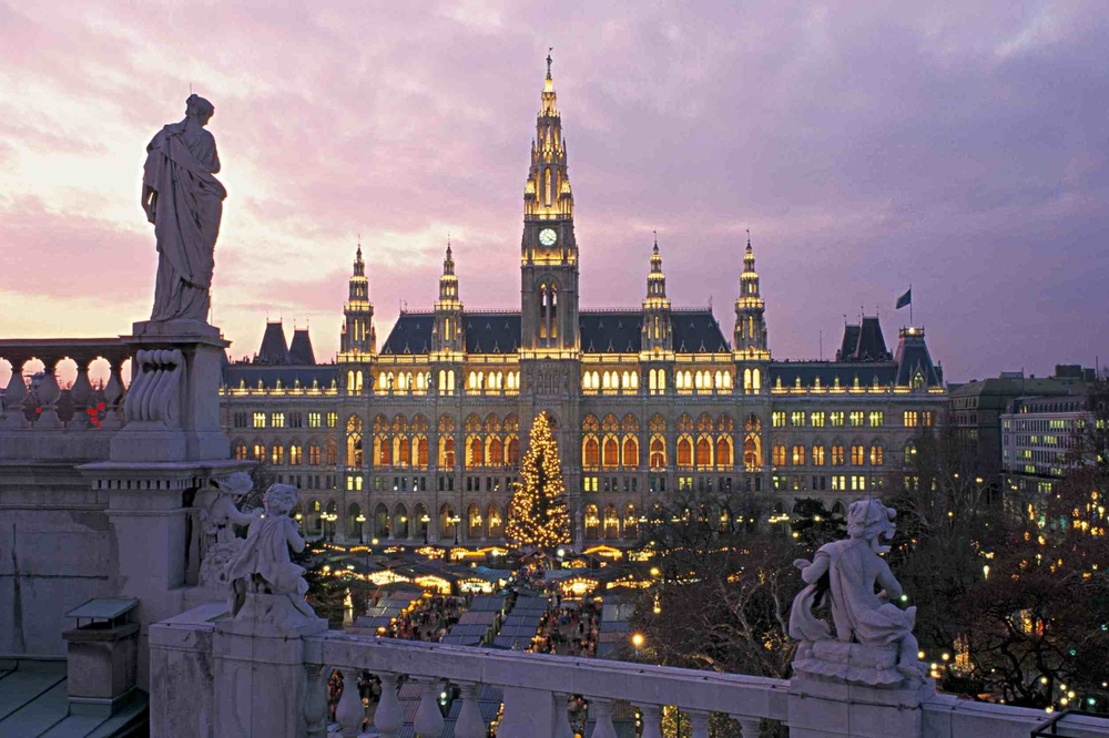 austria-vienna-christmas-markets-at-night-sml.jpg